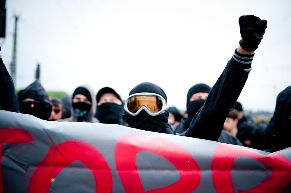 No Pasaran! – Blockade der Nazikundgebung zum 1.Mai in FFM